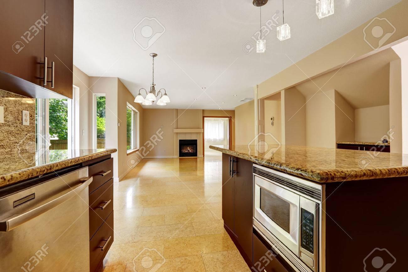 Leeres Haus Innenraum Mit Offenen Grundriss Wohnzimmer Mit Kamin