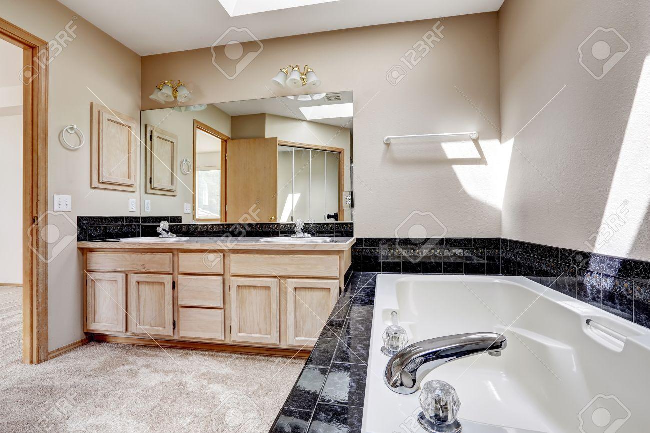 Vasca Da Bagno Hoppop : Vasca da bagno grande beautiful interno di lusso del bagno con il