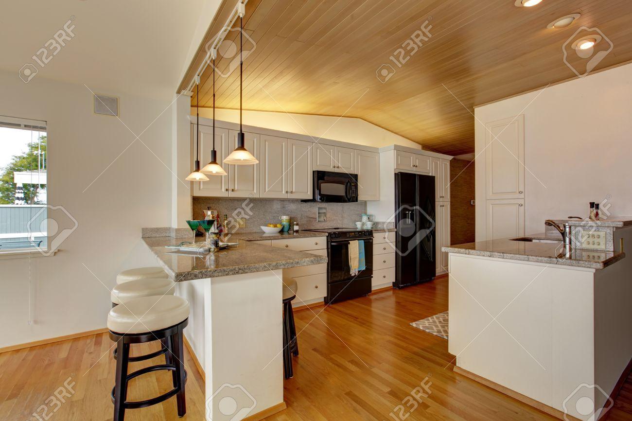 Dorable Imagenes De La Cocina Blanca Con Electrodomesticos Negros - Electrodomesticos-negros