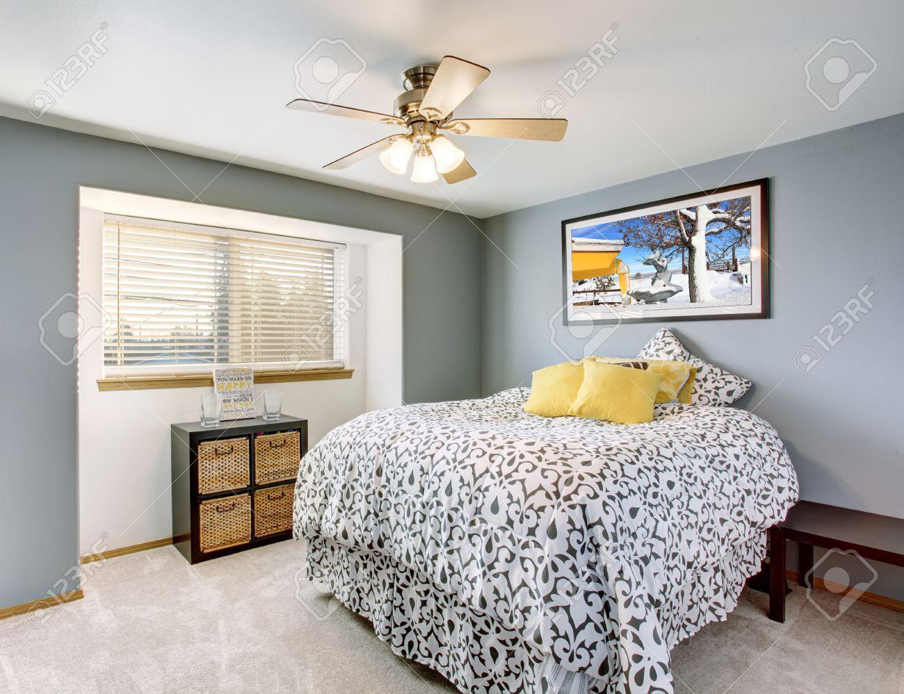 ottima camera da letto con pareti grigie, e biancheria da letto ... - Biancheria Camera Da Letto