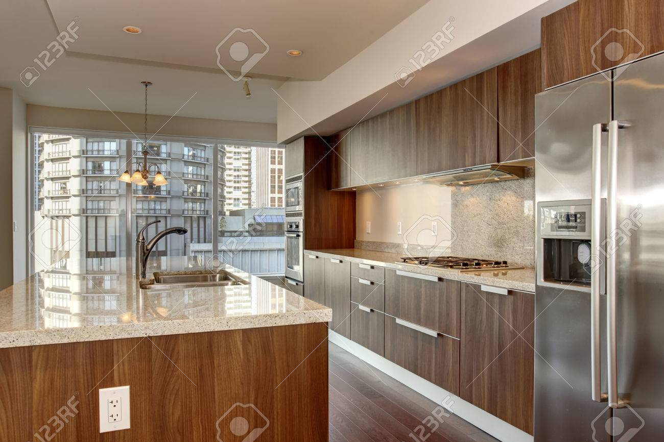Cucina Bianca E Pavimento Marrone : Cucina a legna nordica america ...