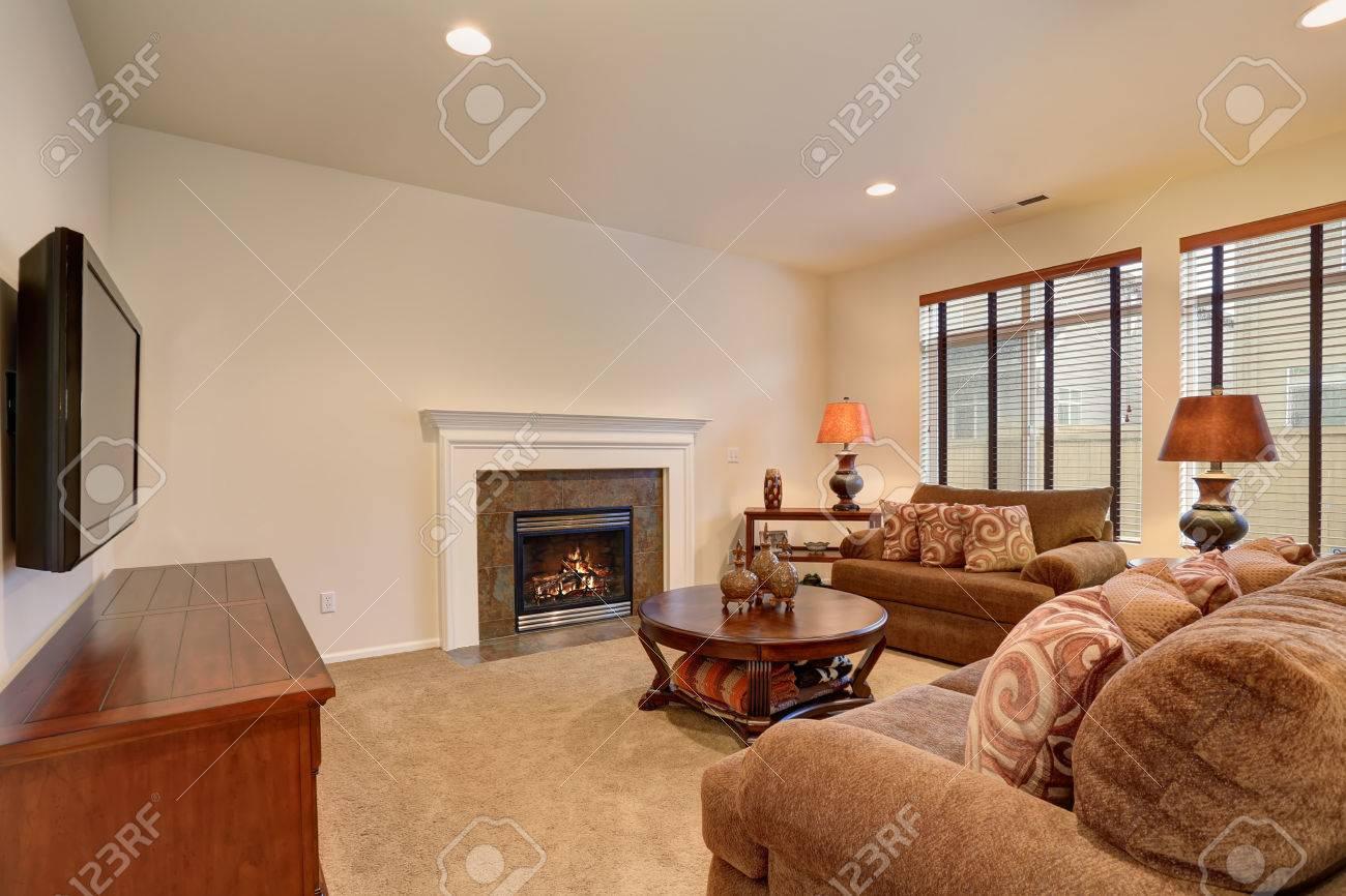 Typische Wohnzimmer In Amerikanische Haus Mit Schoner Teppich Und