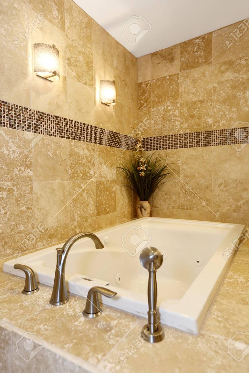 Moderne Badezimmer Inter Mit Fliesen Badewanne Und Boden Ansicht