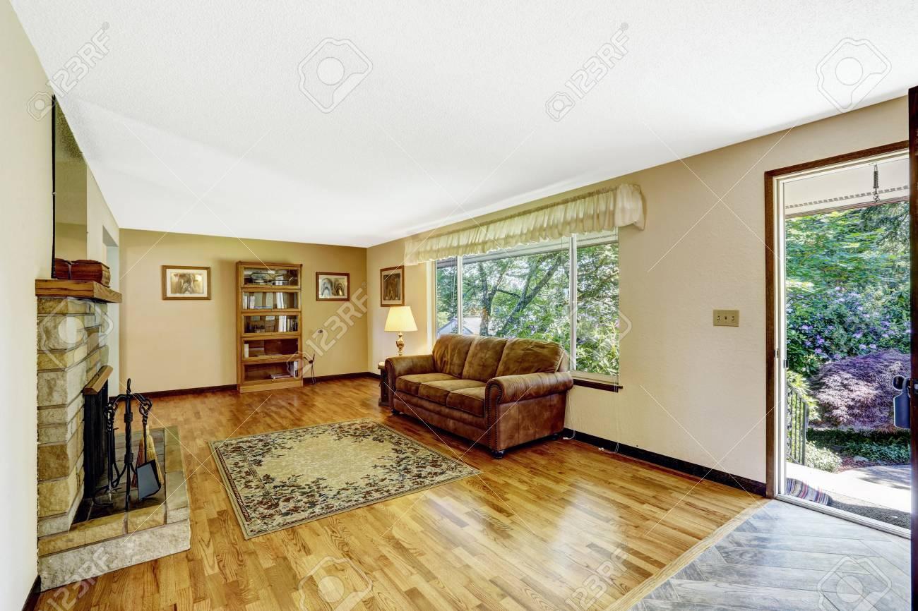 Alte Amerikanische Haus Ein Grosses Wohnzimmer Interieur Mit