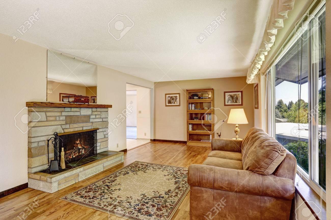 Verzauberkunst Amerikanischer Kamin Sammlung Von Alte Amerikanische Ein Großes Wohnzimmer Inter Mit