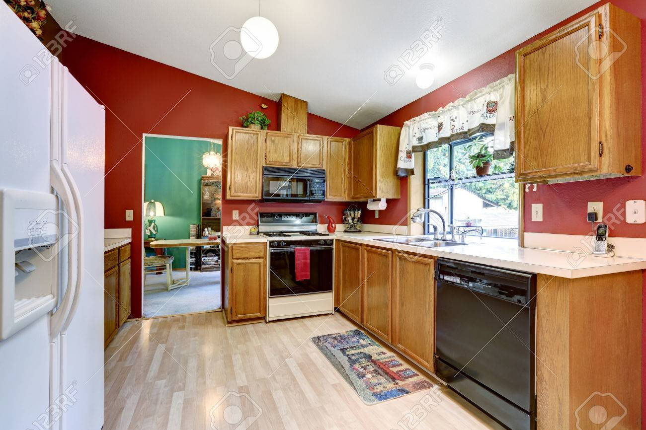 Red Wall Kitchen Kitchen Room With Red Wall Vaulted Ceiling And Light Hardwood