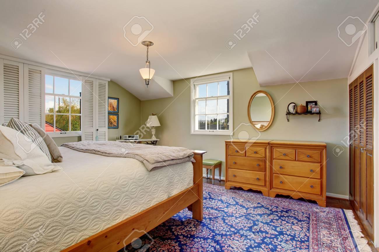 Ambiance Chaleureuse Et Confortable Dans La Chambre A Coucher Avec