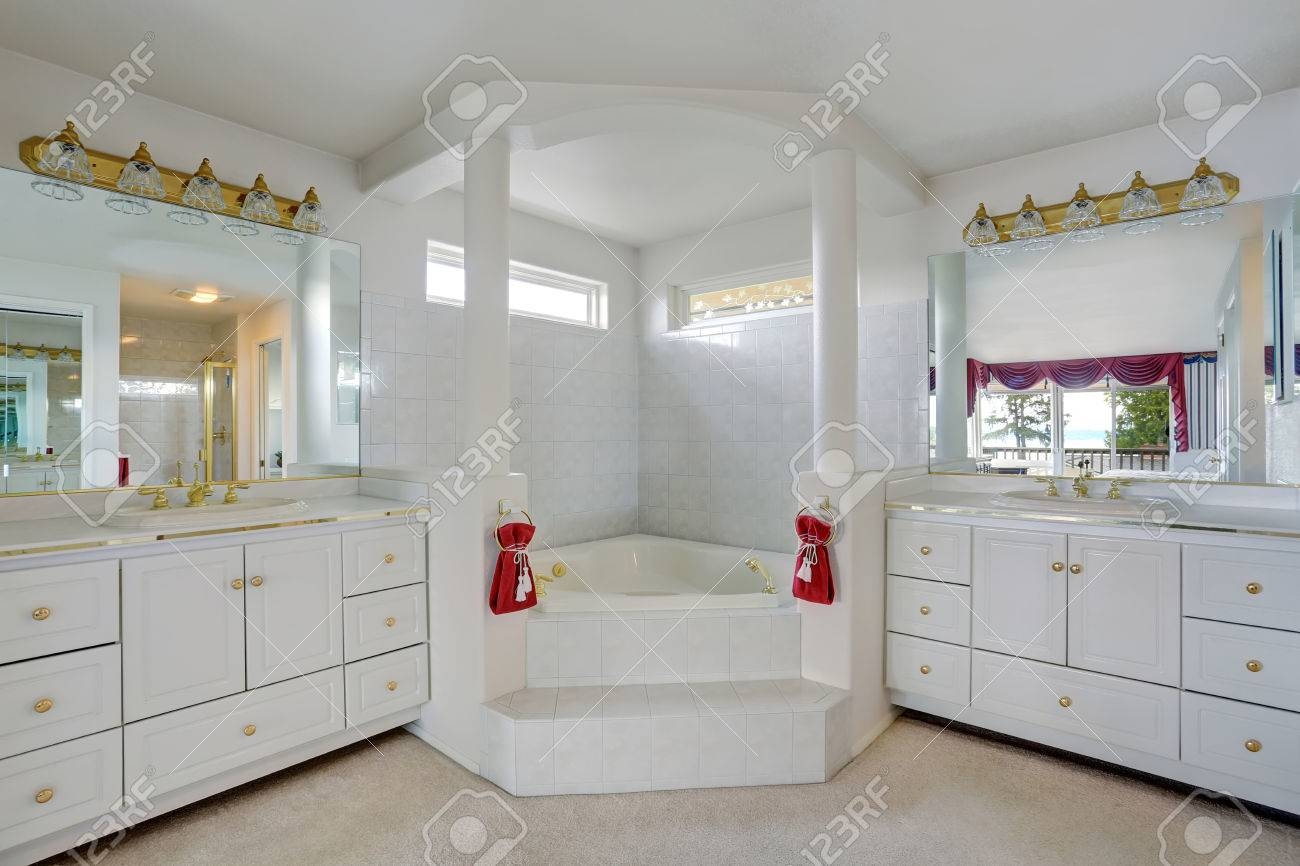 Luxury Large White Master Bathroom Cabinets With Double Sinks ...