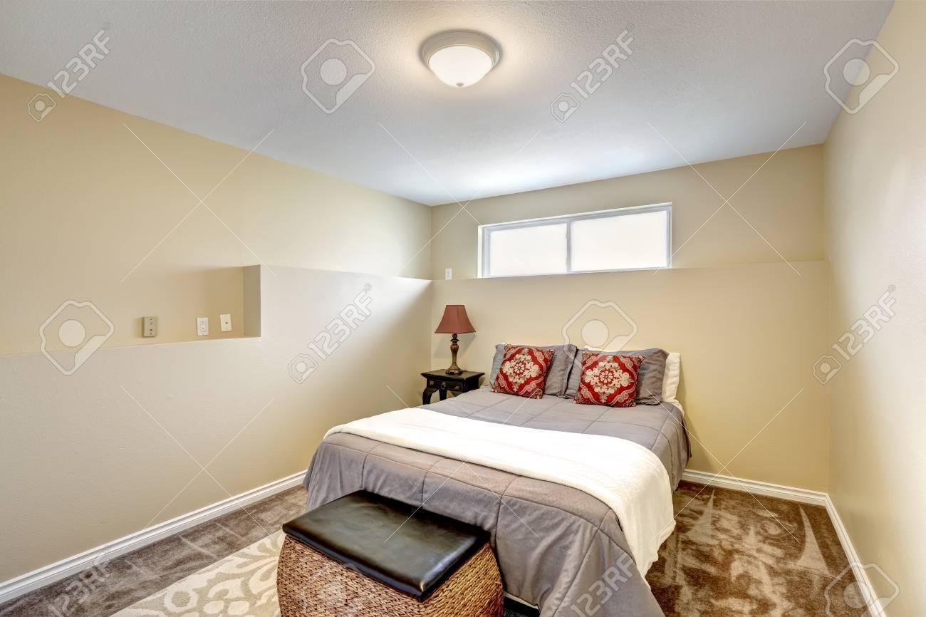 Großartig Schlafzimmer Klein Das Beste Von Klein, Aber Elegantes In Sanften Cremetönen Mit