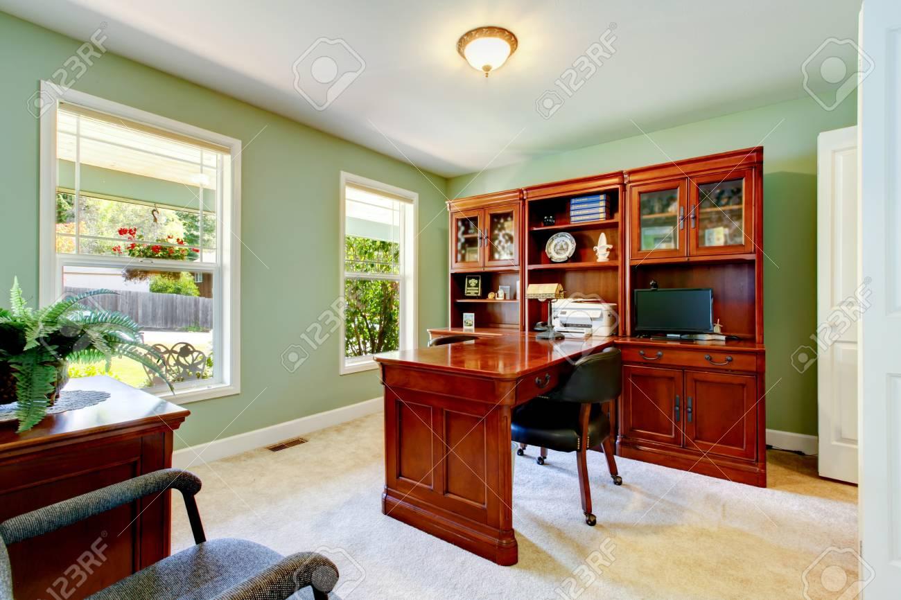Inter Von Home-Office Mit Elfenbein Wände, Schreibtisch Mit ...