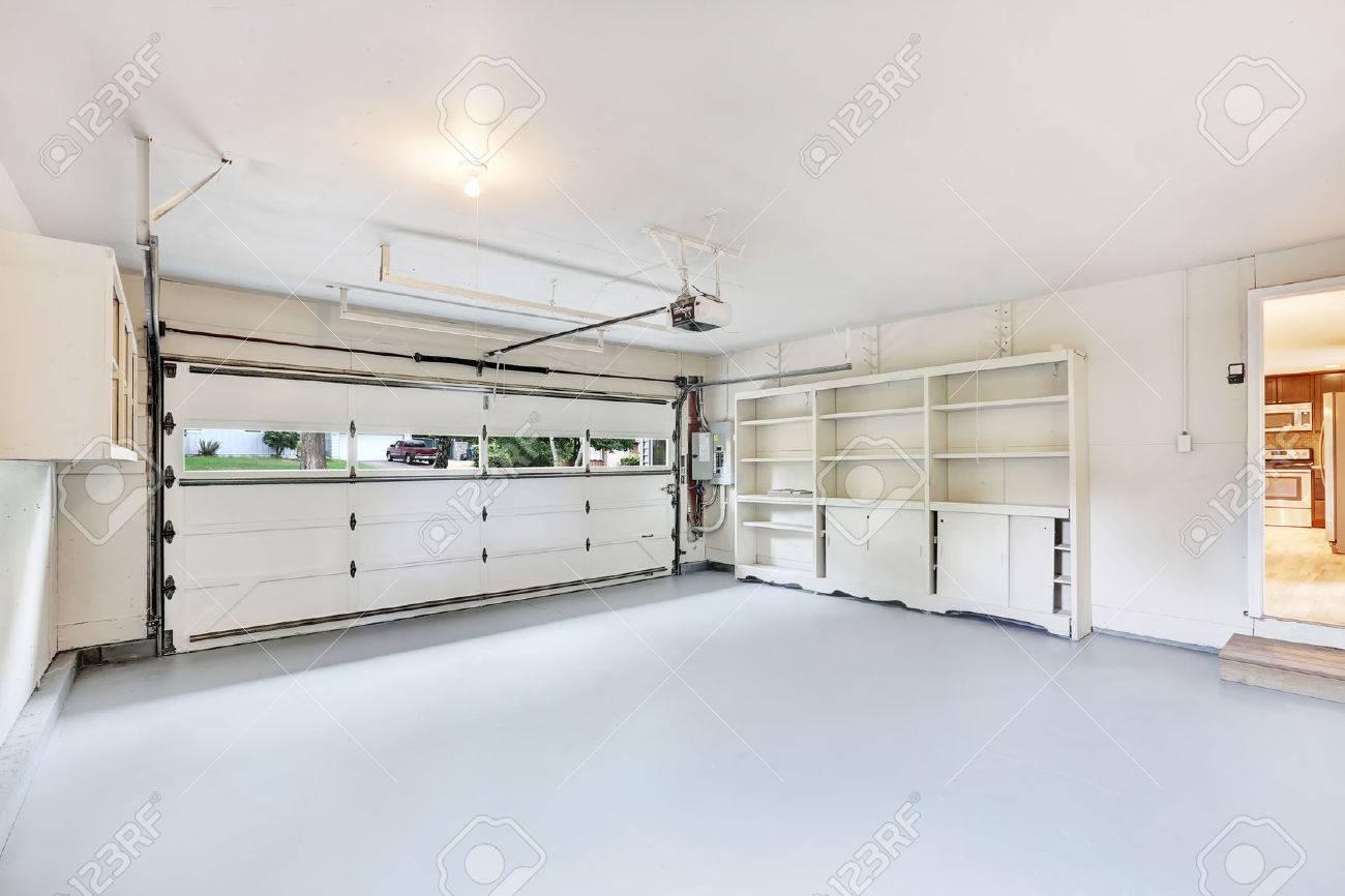 Intérieur Du Garage Vide Dans La Maison Américaine. Northwest, États ...