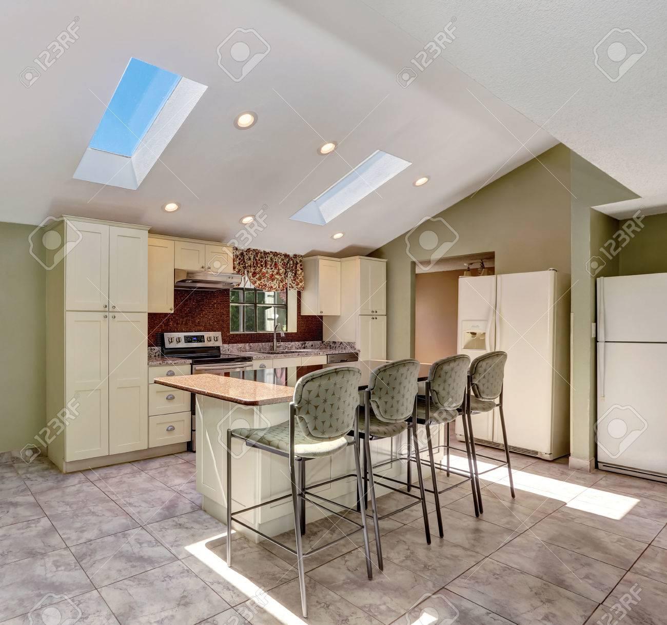 Erfreut Beleuchtungsmöglichkeiten Für Kleine Küchen Galerie - Küche ...