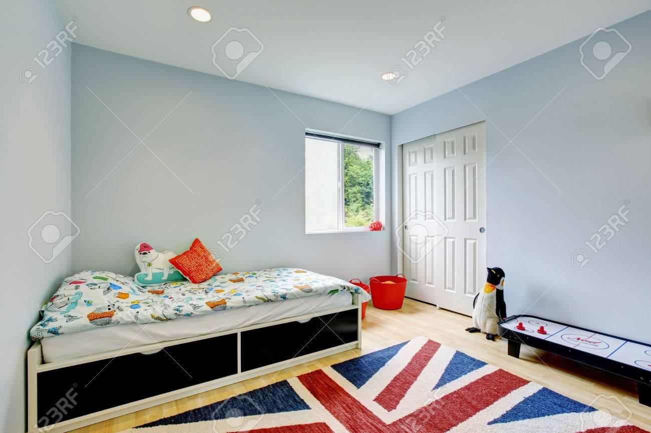 Moderne Kinder Schlafzimmer Interieur In Blauen Tönen, Parkett Und ...