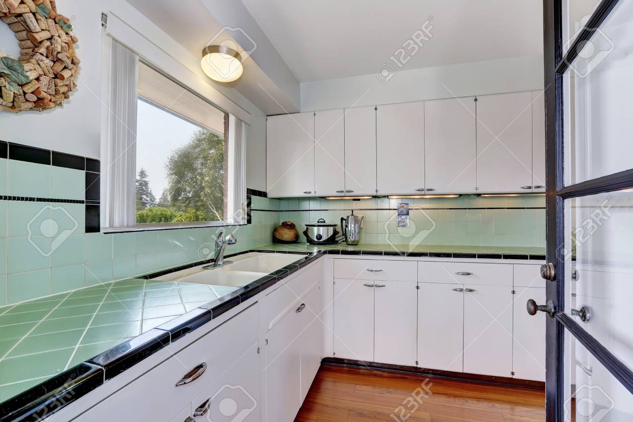 Keuken slopen keuken afvoeren oude tegels verwijderen werkspot