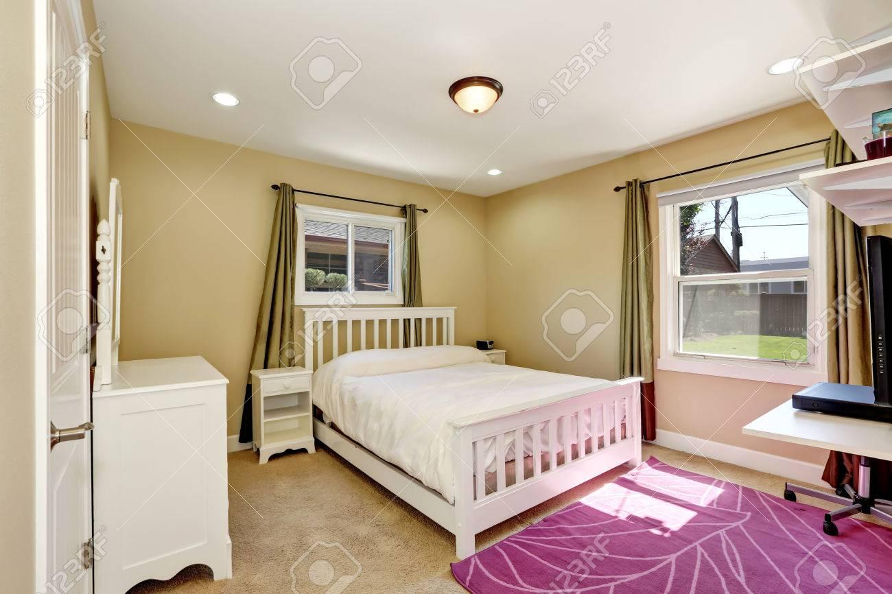 Schön Schlafzimmer In Kleinen Amerikanischen Handwerker Stil Zu ...