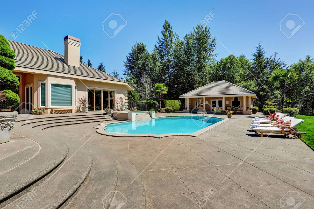 luxury home swimming pools. Great Backyard With Swimming Pool In American Suburban Luxury House. Northwest, USA Stock Photo Home Pools T