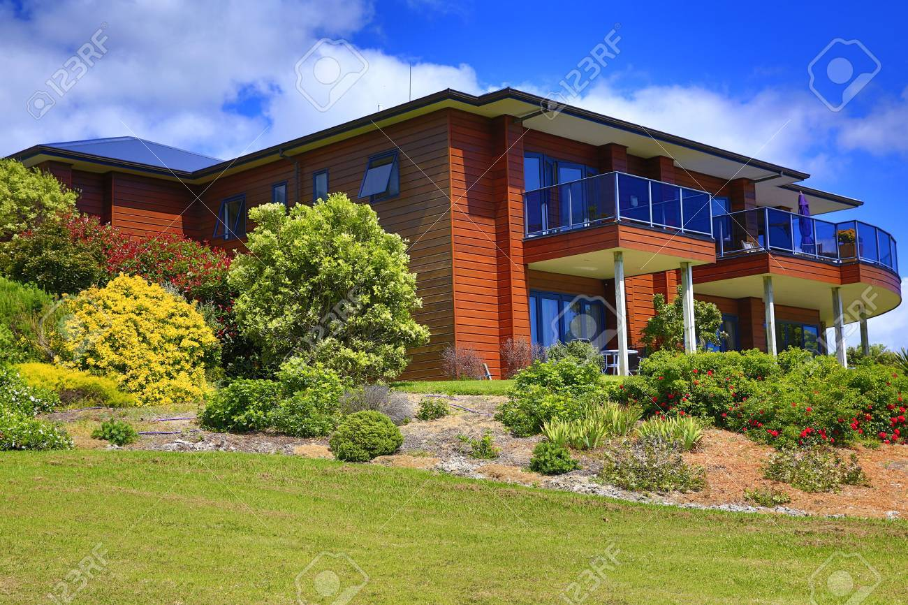 Exterior Of Aurora Lodge With Perfect Landscape Design. Waipu ...