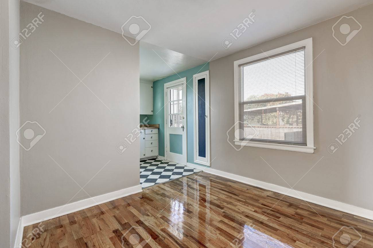 Leeres Beige Raum Mit Massivholzboden Im Alten Leeren Haus Mint