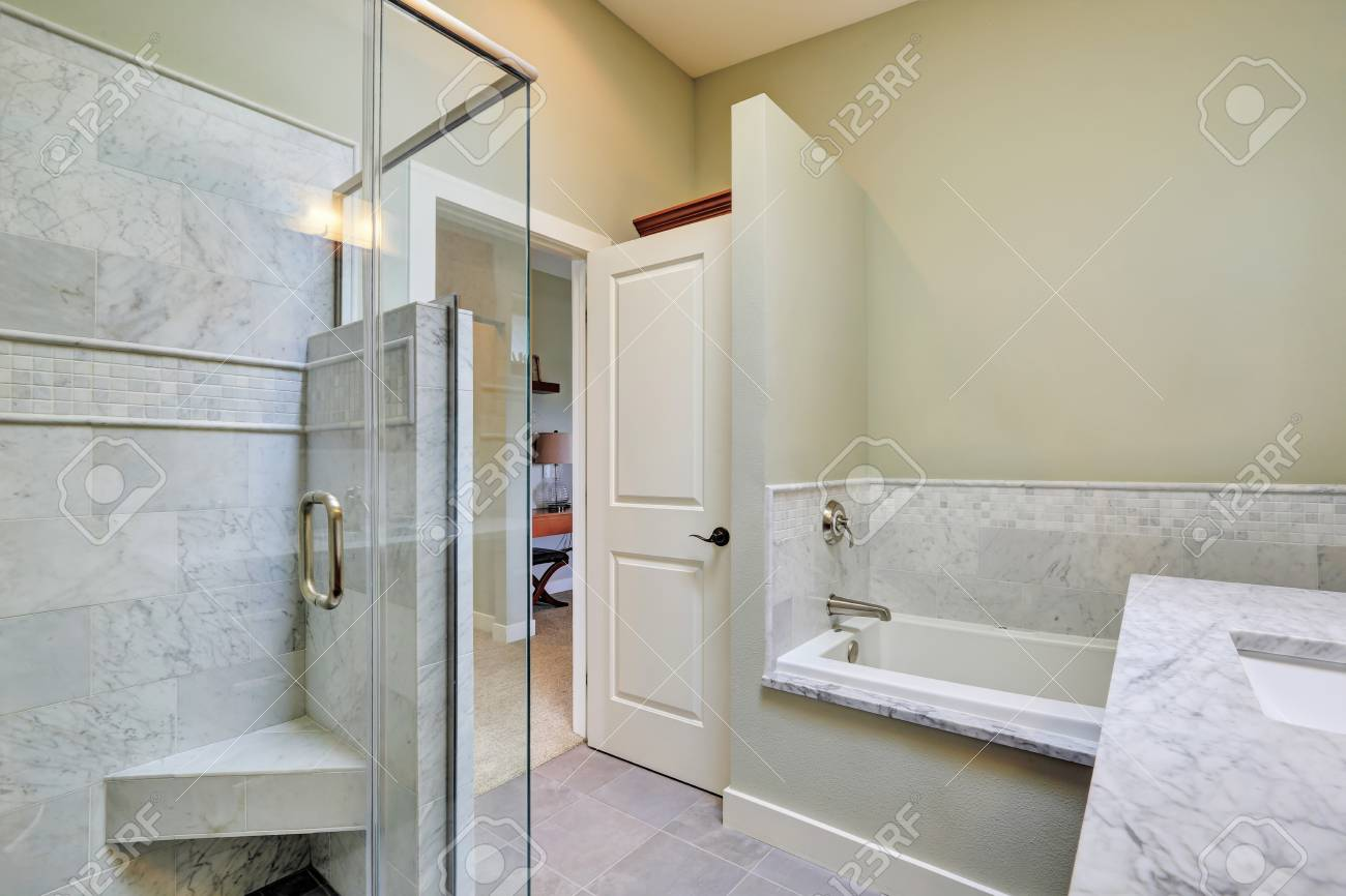 Luxury Bathroom Interior With Marble Tile Trim. Northwest, USA Stock ...