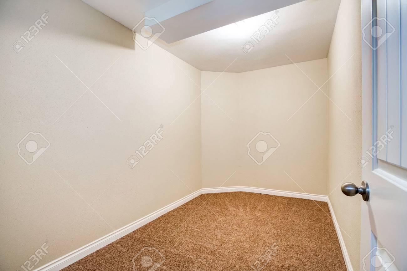 Camera Da Letto Pittura Marrone : Pittura pareti beige pittura parete camera da letto camere da