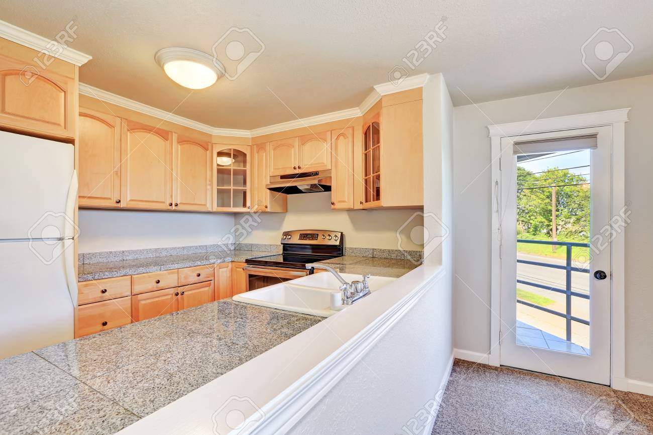 U Shaped Kitchens With Oak Cabinets on small kitchens with oak cabinets, kitchen renovation with oak cabinets, white kitchens with oak cabinets, galley kitchens with oak cabinets,