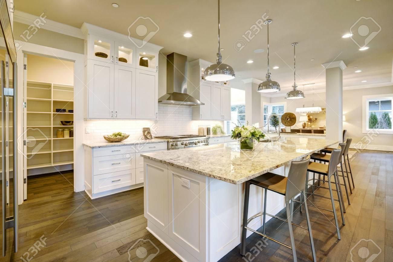 caractéristiques design white grande cuisine îlot de cuisine de