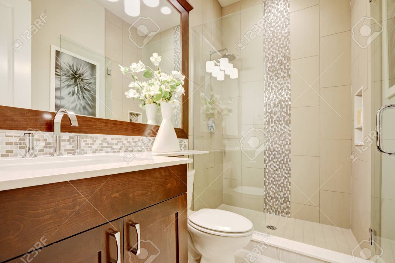 White And Clean Bathroom Design In Brand-new Home. Glass Walk-in ...