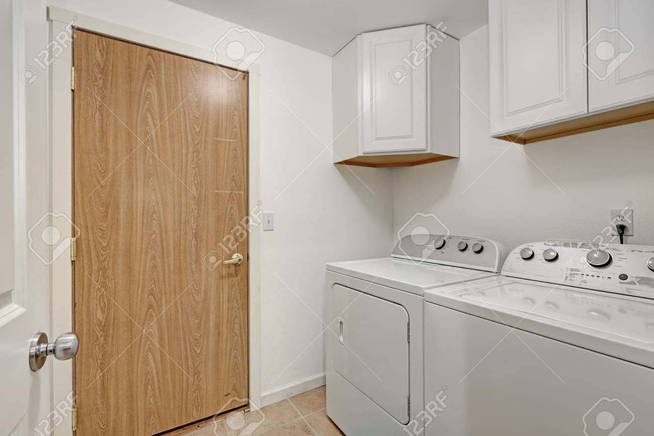 Strange White Compact Laundry Room With Cabinets Washing Machine And Interior Design Ideas Gentotryabchikinfo