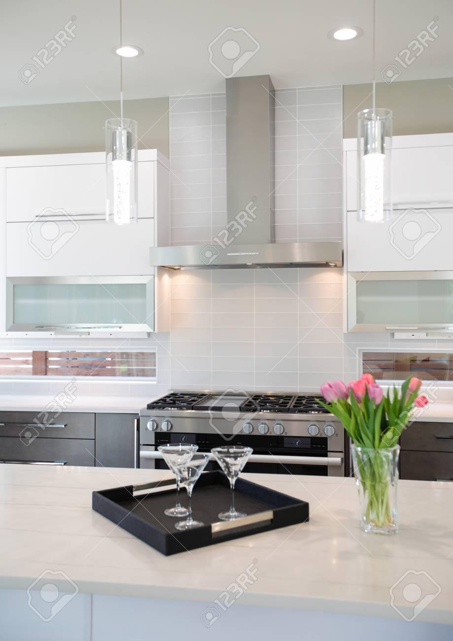 Luxury Kitchen Natural Backsplash White Quartz Natural Brown Stock Photo Picture And Royalty Free Image Image 89827501