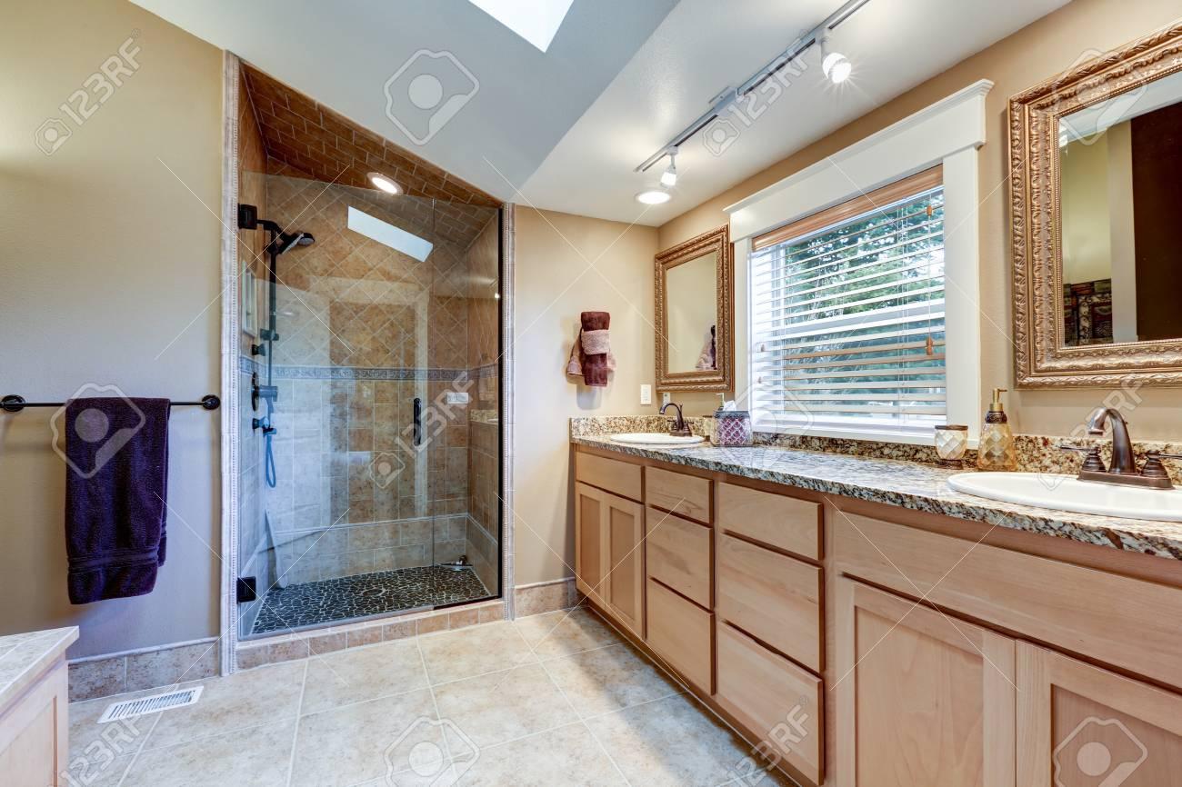 Double Salle De Bain ~ int rieur de salle de bain principale avec grand meuble lavabo