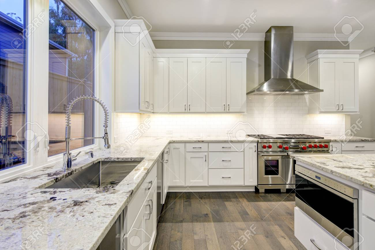Large Spacious Kitchen Design With White Kitchen Cabinets White