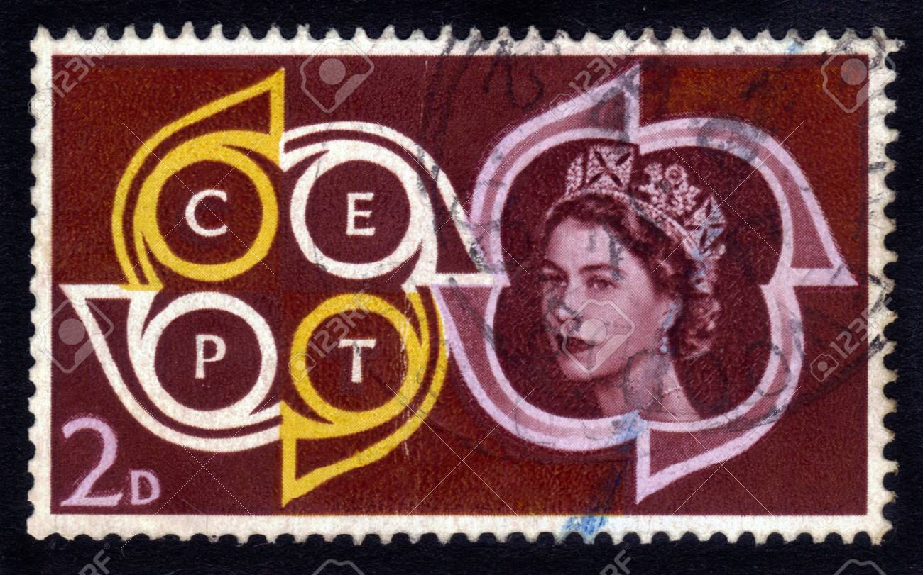 UNITED KINGDOM - CIRCA 1961  A stamp printed in UK   1087;  1086;  1082;  1072;  1079;  1099;  1074;  1072;  1077;  1090;   1087;  1086;  1088;  1090;  1088;  1077;  1090; of Queen Elizabeth II   CEPT Emblem  Conference of European Postal Telecommunicatio Stock Photo - 14376594