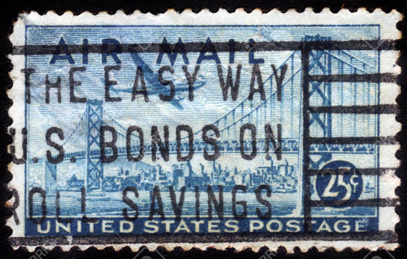 UNITED STATES OF AMERICA - CIRCA 1947  A stamp printed in the USA shows image of the Golden Gate Bridge, circa 1947 Stock Photo - 15132762