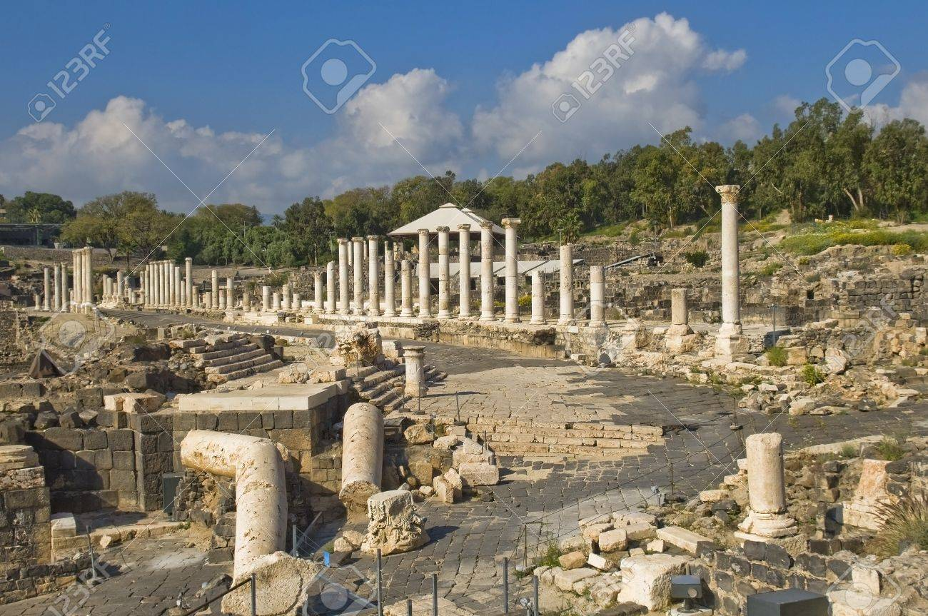 ancient Roman columns in archaeological site ,  Beit Shean , Israel Stock Photo - 16451540
