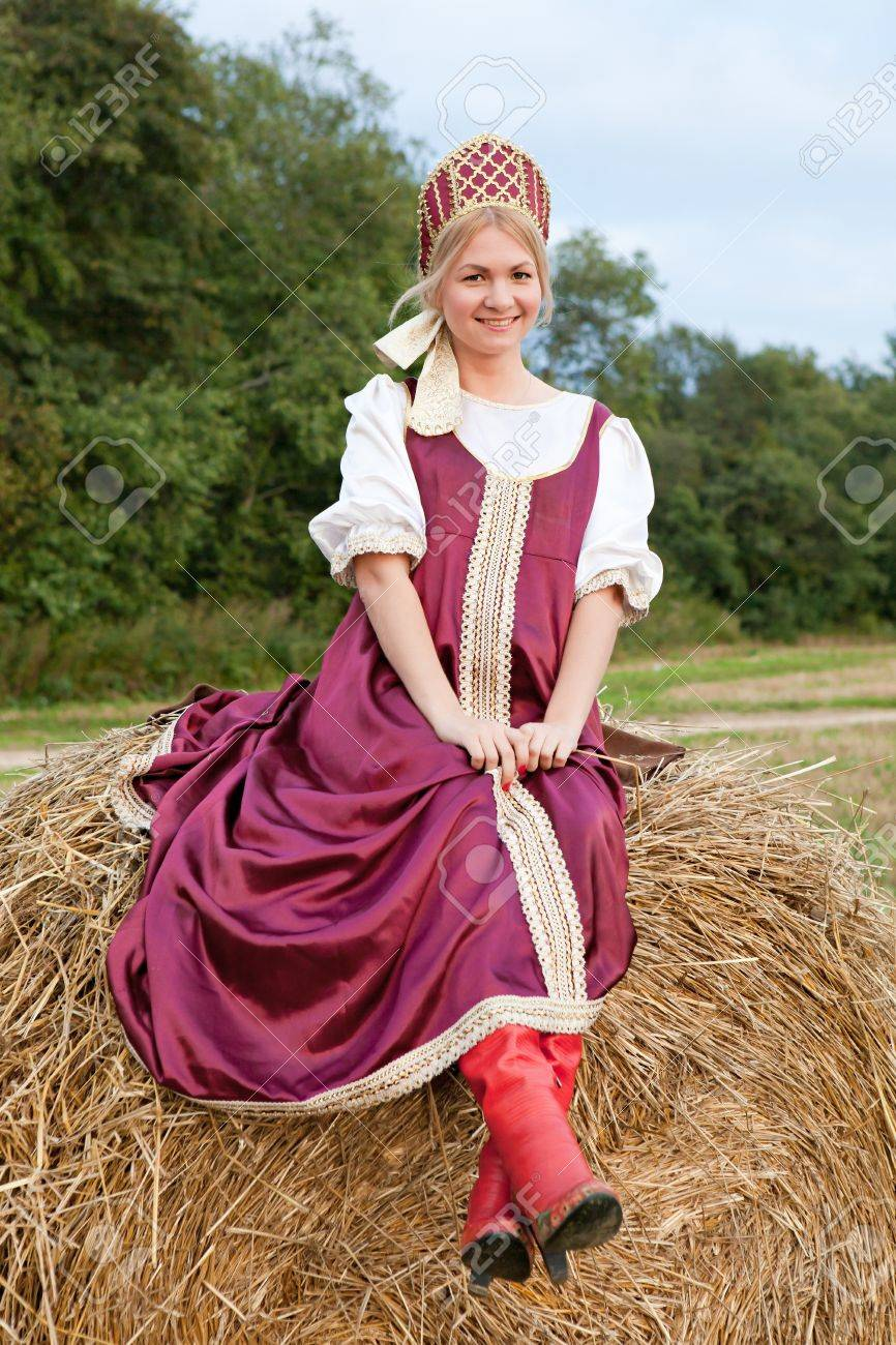 Woman in Russian traditional costume Stock Photo - 17158389