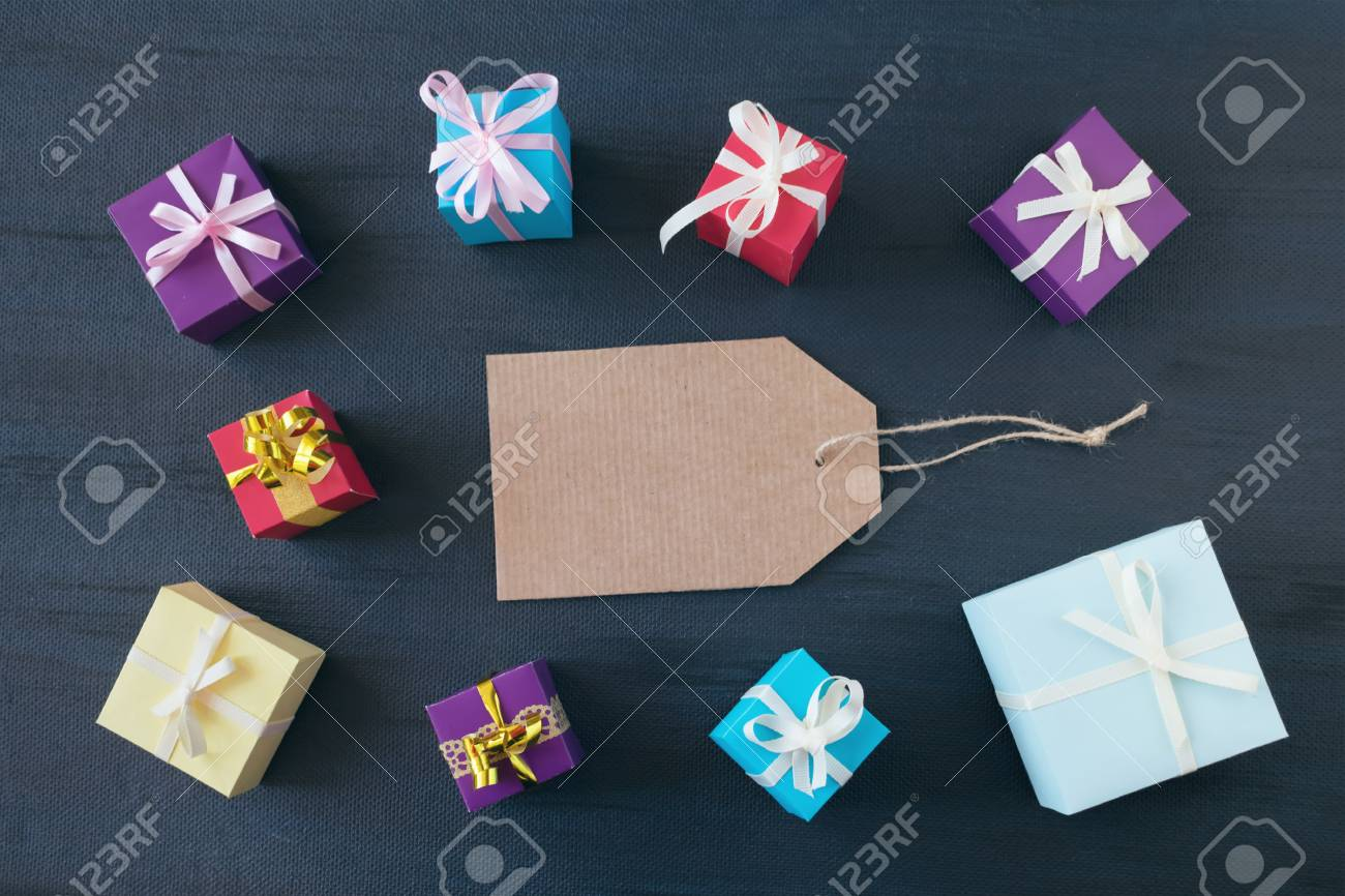 Shopping Banner Mockup With Cardboard Label And Gift Boxes On