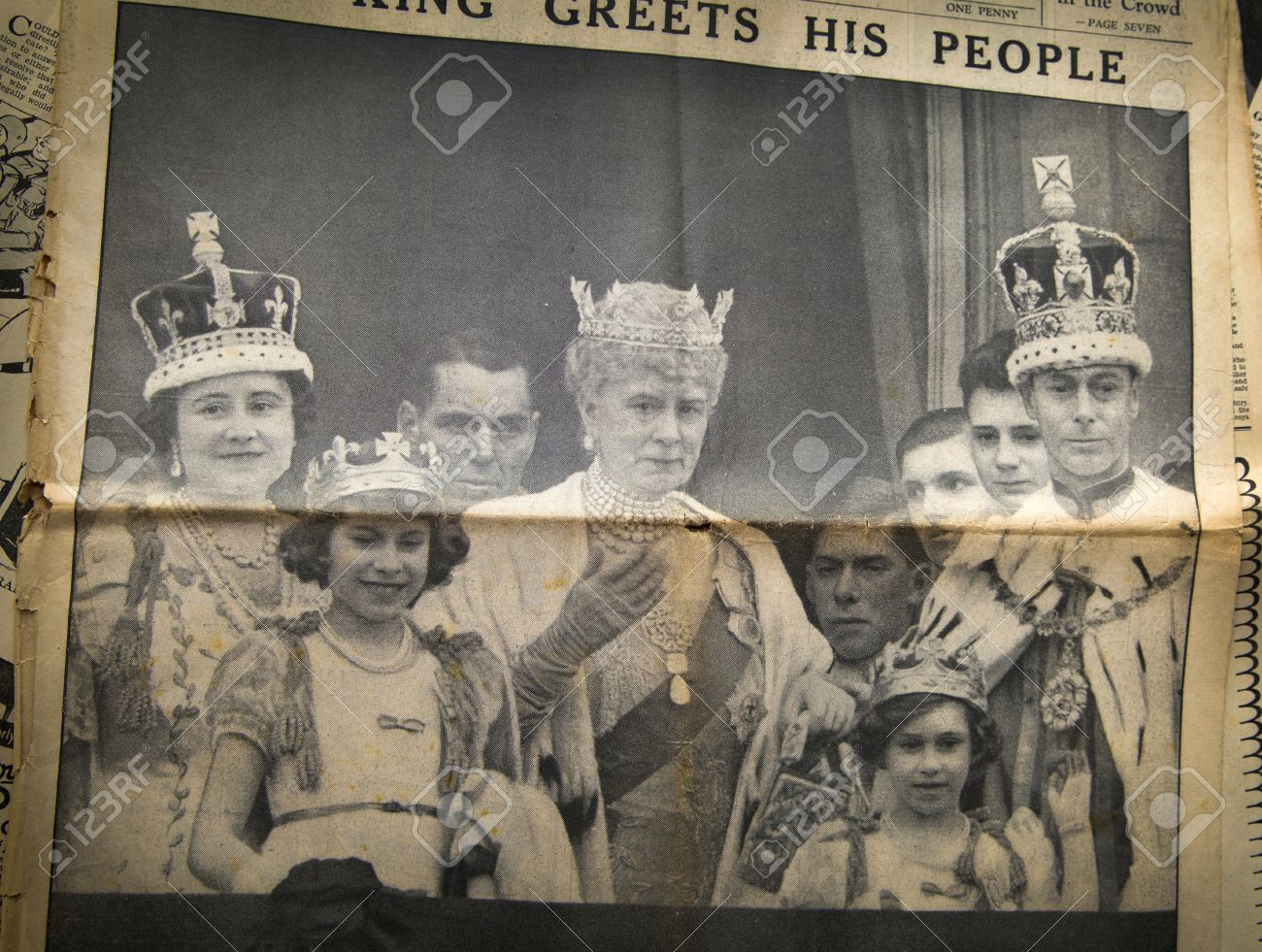 london uk 16 2014 king cheering his peopel royal family london uk 16 2014 king cheering his peopel royal family on