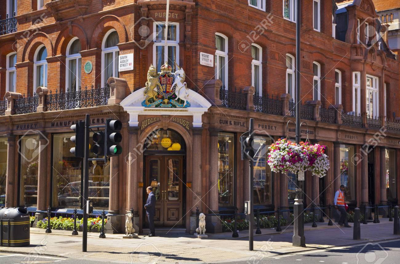 LONDON, Großbritannien - 3. Juni 2014 Luxury öffentliches Haus In ...