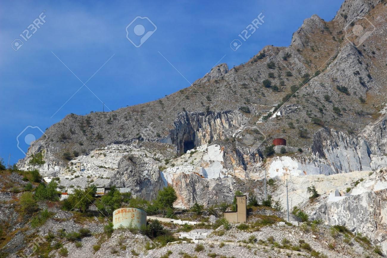 アペニン山脈、カッラーラ、イタ...