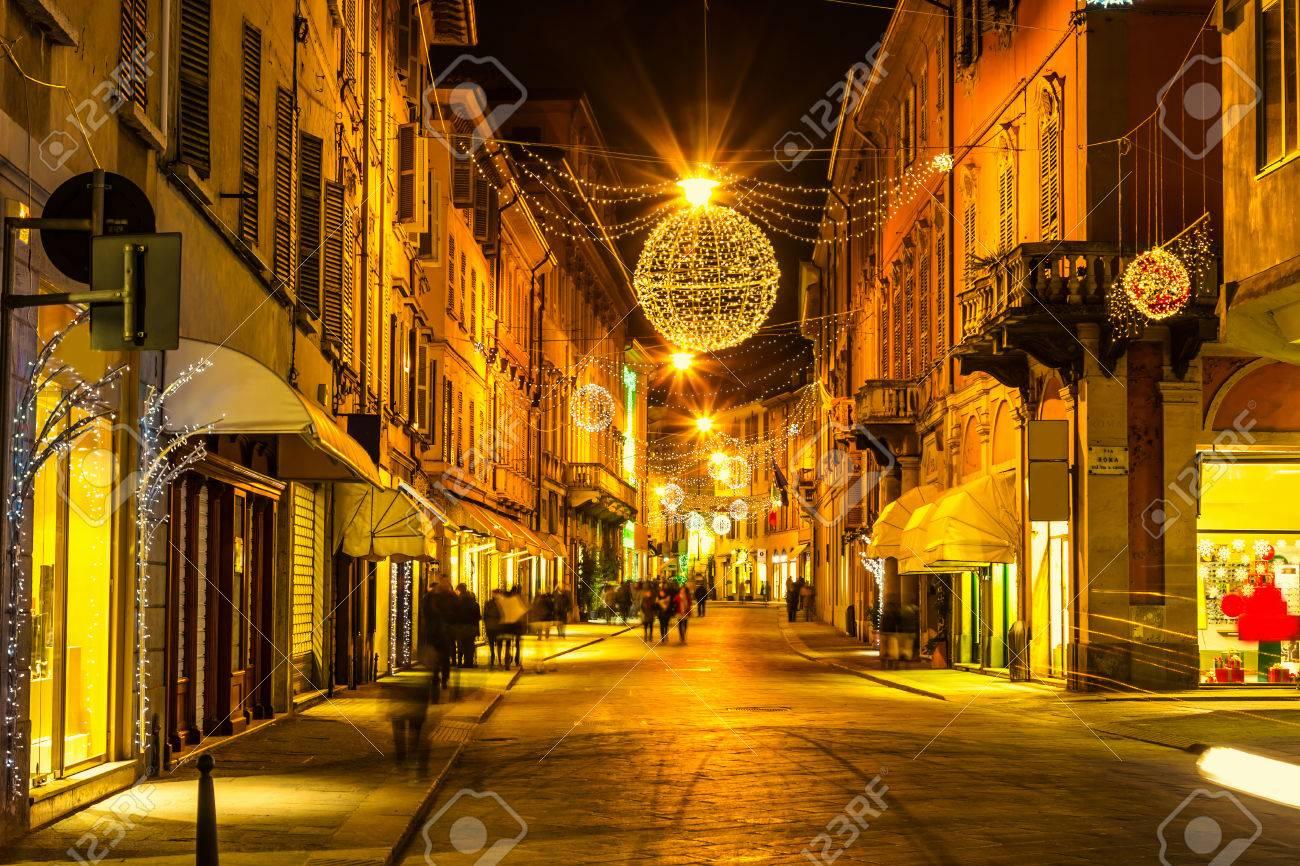 Schöne Nachtstraße In Reggio Emilia Emilia Romagna Italien
