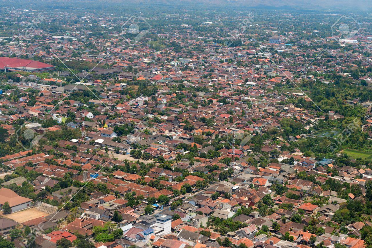 ジョグ ジャカルタ市内中心部、...