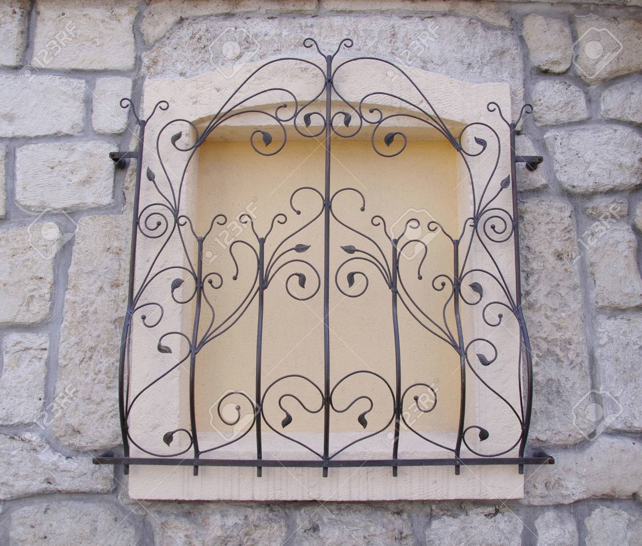 Grille De Fer Forgé Décoratif Sur Paroi Fenêtre Gros Plan Banque D