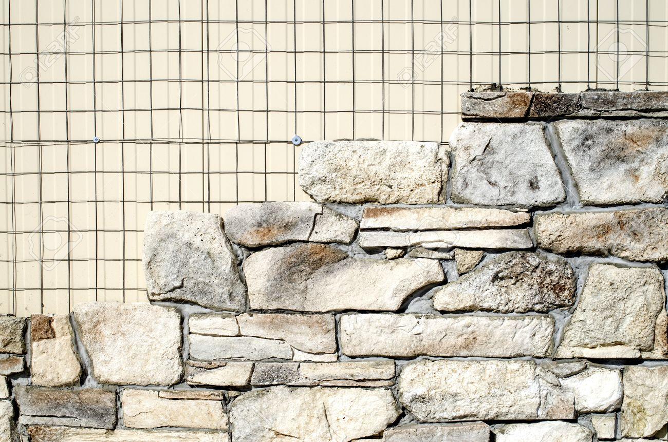 de pared exterior con azulejos imitacin piedra foto de archivo