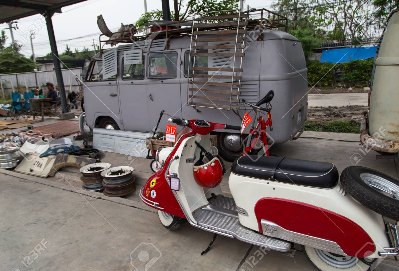Vw Microbus For Sale >> Nonthaburi Thailand March 10 2018 Vw Microbus Owner Sell