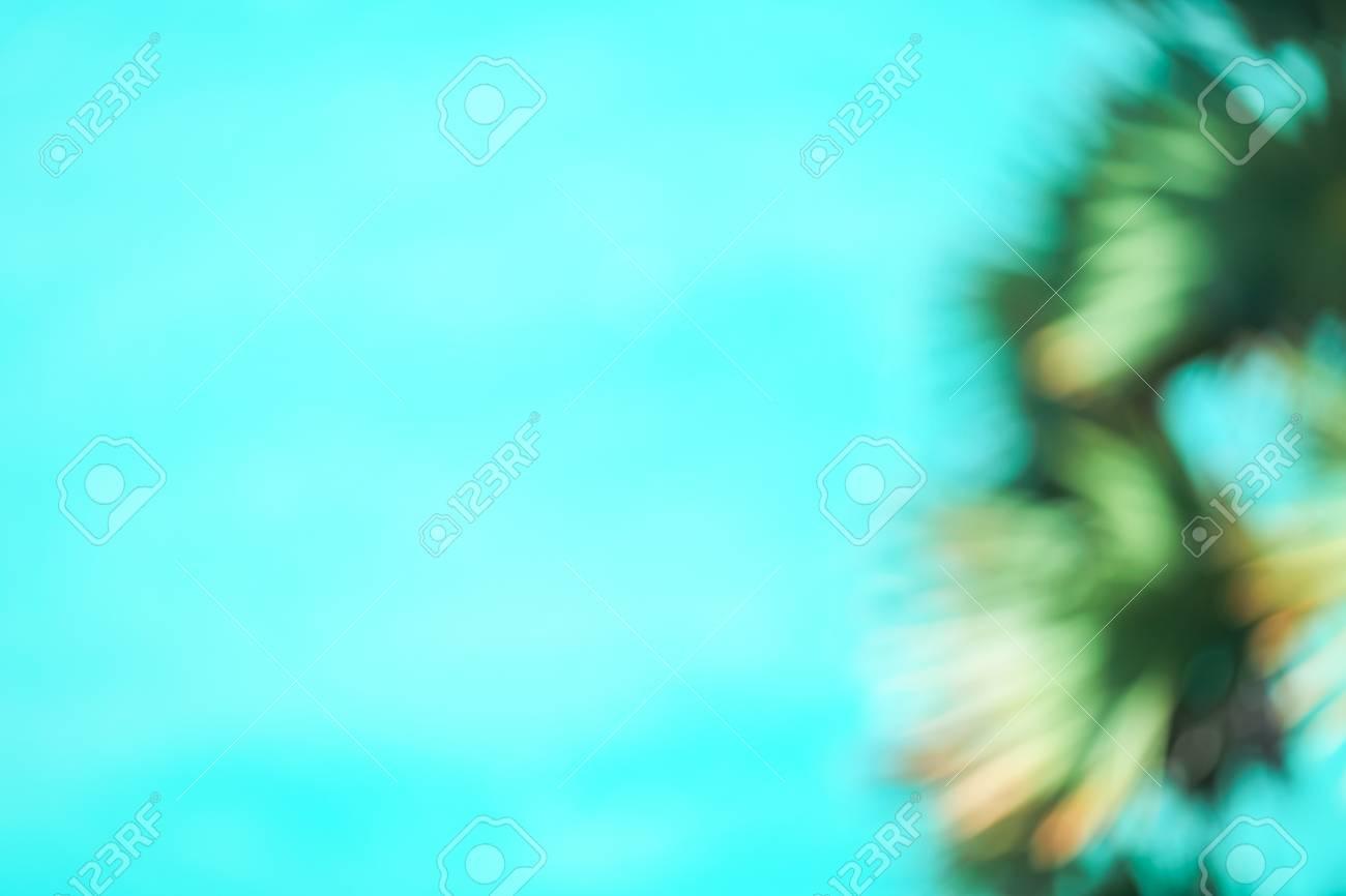 Immagini Stock Immagine Sfocata Di Mare E Palma Sfondo Di Ghiaccio