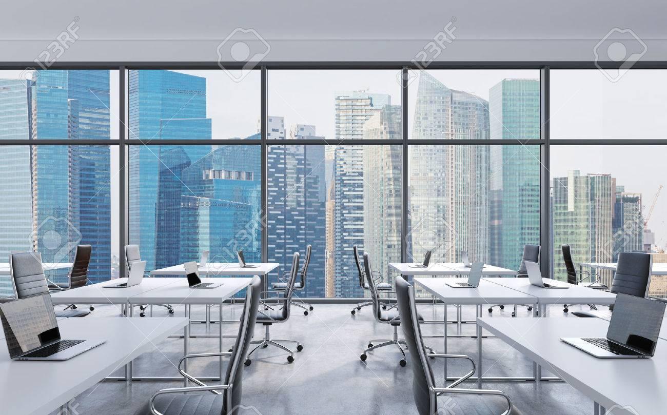 Foto Ufficio Moderno : I luoghi di lavoro in un ufficio moderno panoramico singapore vista
