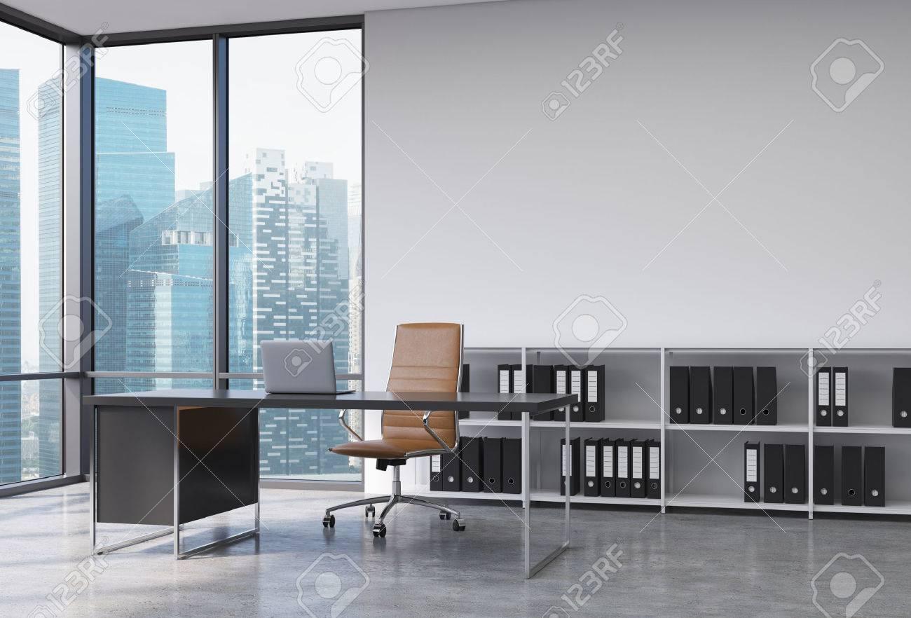 Ufficio Del Lavoro In Nero : Un posto di lavoro ceo in un moderno angolo ufficio panoramica con