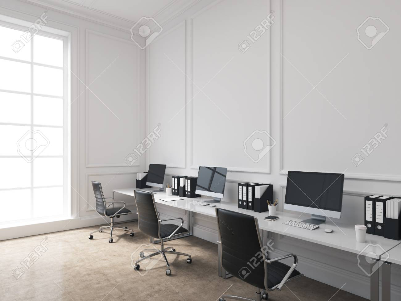 Ein Offener Raum Buro Tische Mit Computern An Der Wand Entlang