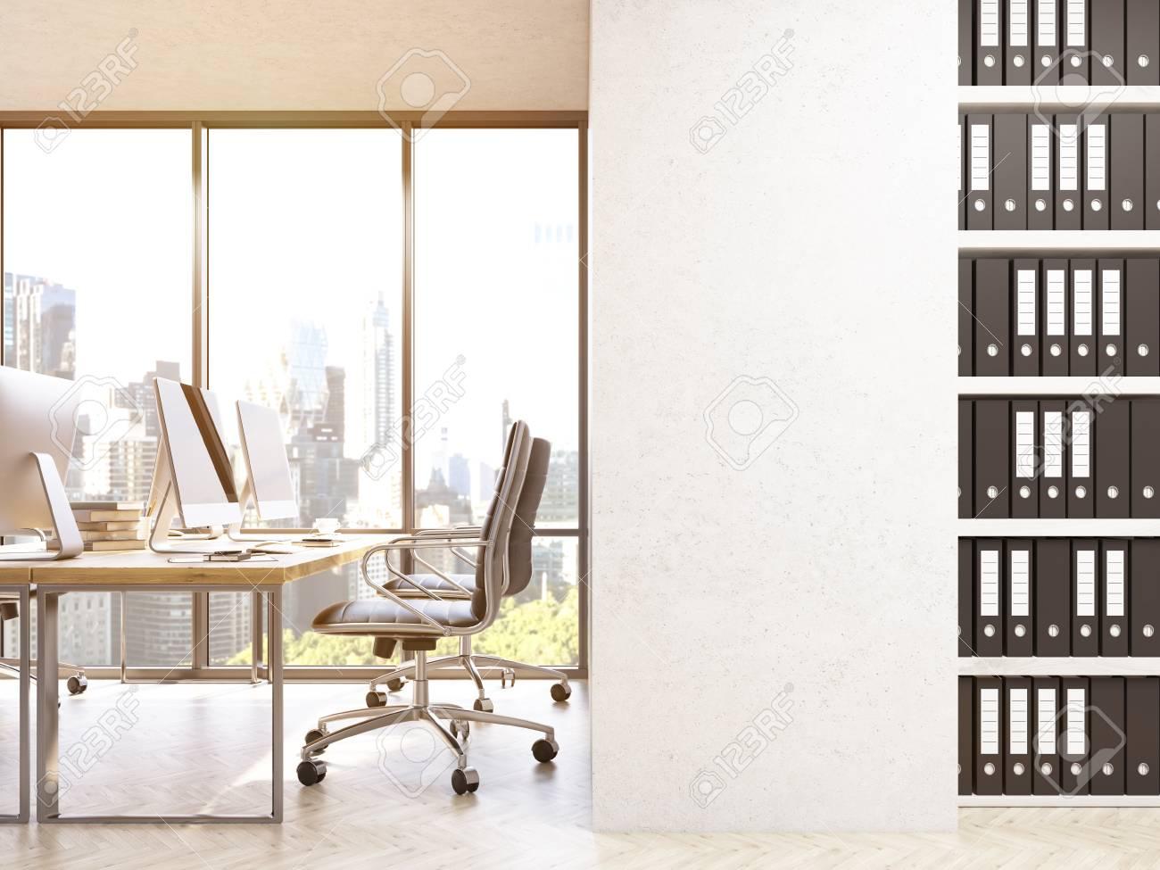 Vue de dessus d un bureau de travail avec un cahier blanc ouvert