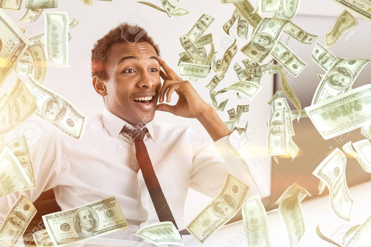 Junge Glücklich African American Geschäftsmann Mit Abstrakten ...
